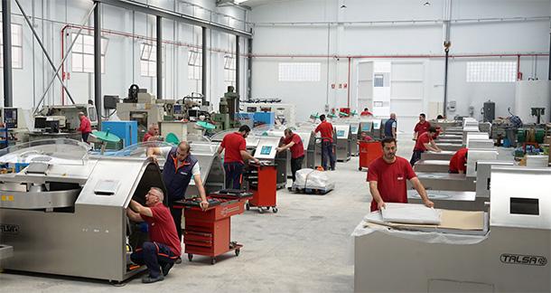 Talsa, fabricationde machines de capacité moyenne pour l´industrie charcutière